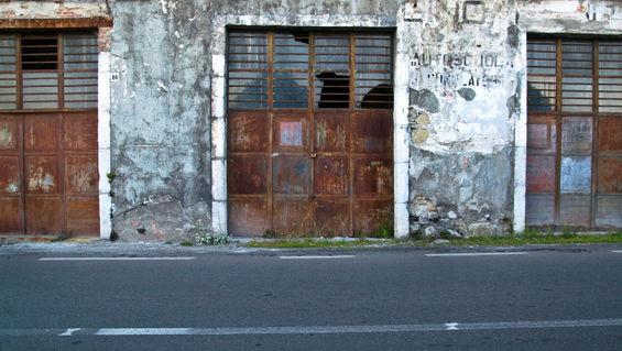 Fassade-metalltueren-taormina-sizilien