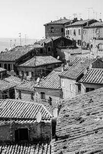 Volterra Rooftops  von Russell Bevan Photography