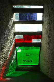 Window 6, Le Corbusier, Ronchamp, France von Katia Boitsova-Hošek