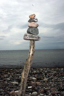 Steinturm an der Küste von Egon Rathke