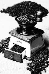 Kaffeemühle Schwarz Weiß Küchenbild by Falko Follert