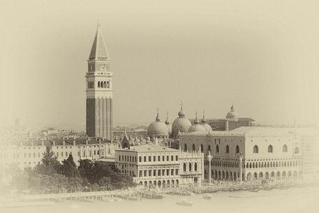 Antique-venice-piazza-san-marco