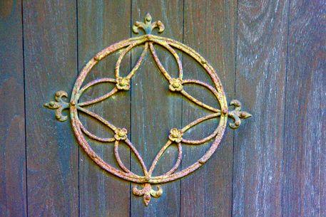 Circle-of-rust