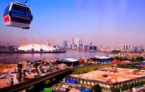 Emirates Cable Car Skyline von David J French