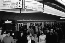 BW Germany Munich Underground Station Marienplatz 1970s von blackwhitephotos