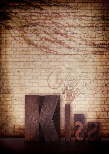 Kiss-v2-c-sybillesterk