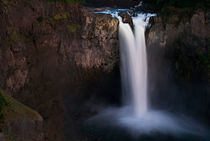 Snoqualmie falls at night by northwest-scenescapes