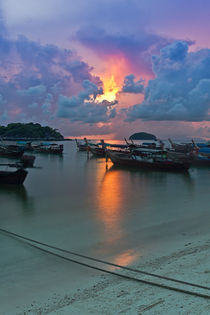 Sunrise in Koh Lipe by Kristiina  Hillerström
