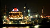 Queen Mary 2 Werkstatt by photoart-hartmann