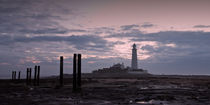 Lighthouse at Low Tide II von David Pringle