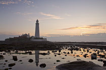 Lighthouse at Low Tide von David Pringle