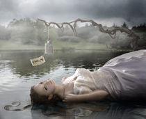 Falling, forever lost von Ana Cruz
