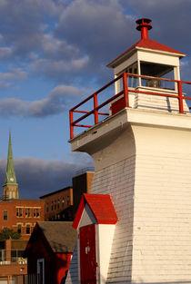 RED AND WHITE LIGHTHOUSE Saint John New Brunswick von John Mitchell