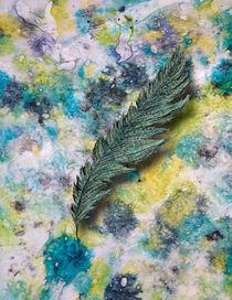 Aqua Feather von elephanttrunkstudio