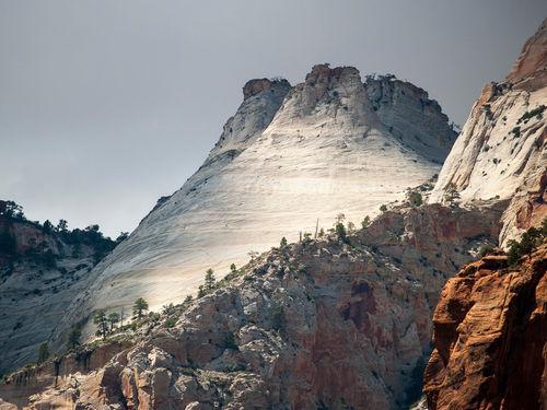 Cold-white-mountain
