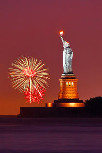 Statue Of Liberty With Fireworks by Zoltan Duray