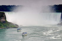 Maid of the Mist boat tour in Niagara Falls von Zoltan Duray