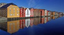 Alte Speicher in Trondheim von Reinhard Pantke