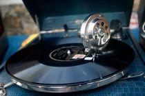 Vinylophone by gerardchic