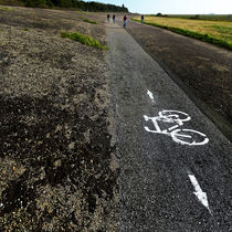 Für Fahrräder in beiden Richtungen by Paul Artner