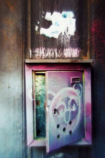 Plaka leaving postbox von Pia Schneider