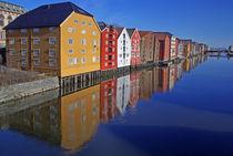 'Alte Speicher in Trondheim' von Reinhard Pantke