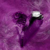 Broken Heart lila by Christine Bässler