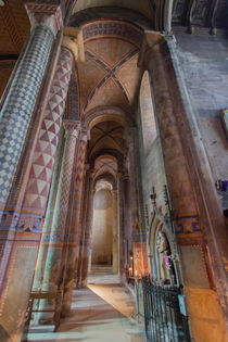 Interior of Notre-Dame la Grande by safaribears