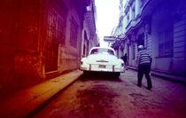 OLD CAR / CUBA by Giorgio Giussani